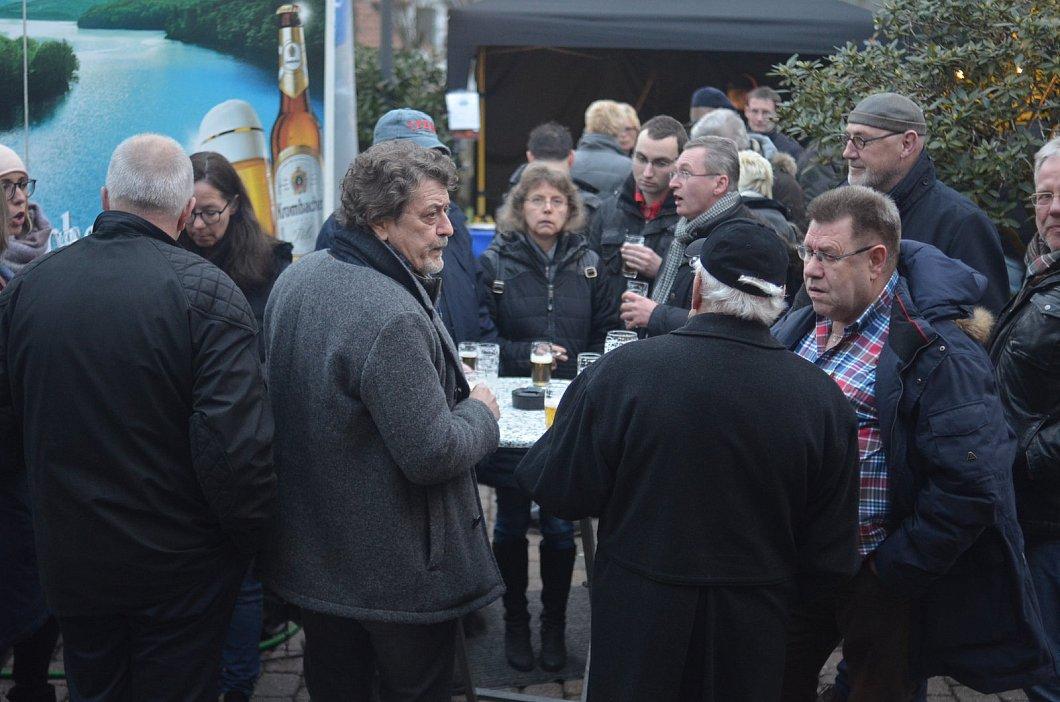 Osterfeuer Lodert Erstmals Ganz Gross Im Paderborner Haxtergrund Nw De