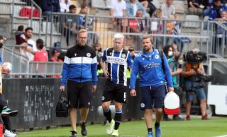 Nur acht Minuten auf dem Platz: Verletzung von Czyborra: Arminia-Trainer Kramer gibt erste Diagnose