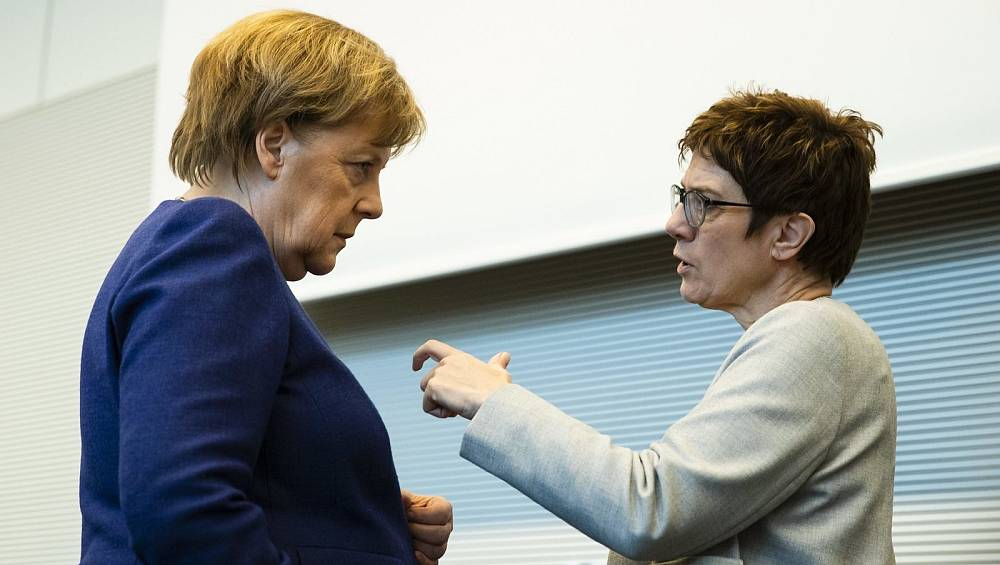 Konservativer CDU-Flügel fordert Rückzug der Kanzlerin