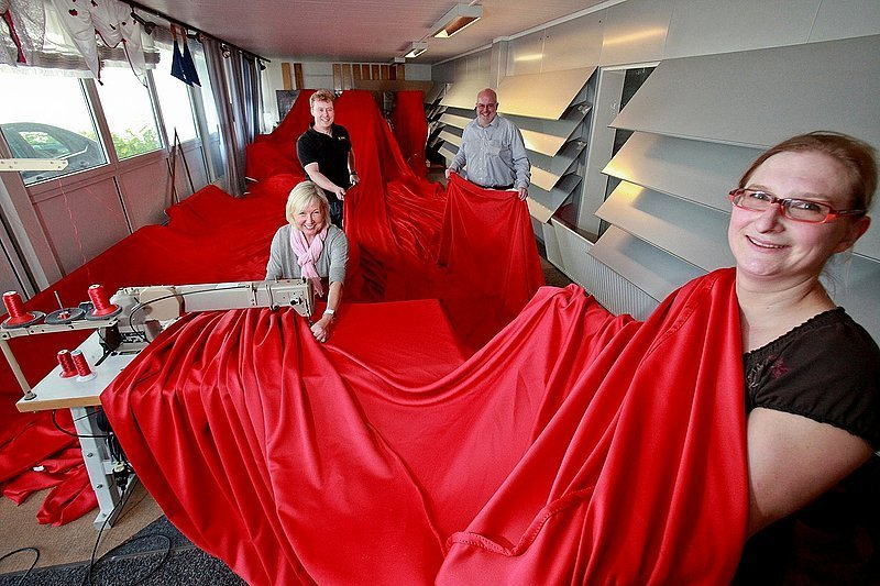 bielefeld sparrenburg im roten gewand neue westf lische. Black Bedroom Furniture Sets. Home Design Ideas
