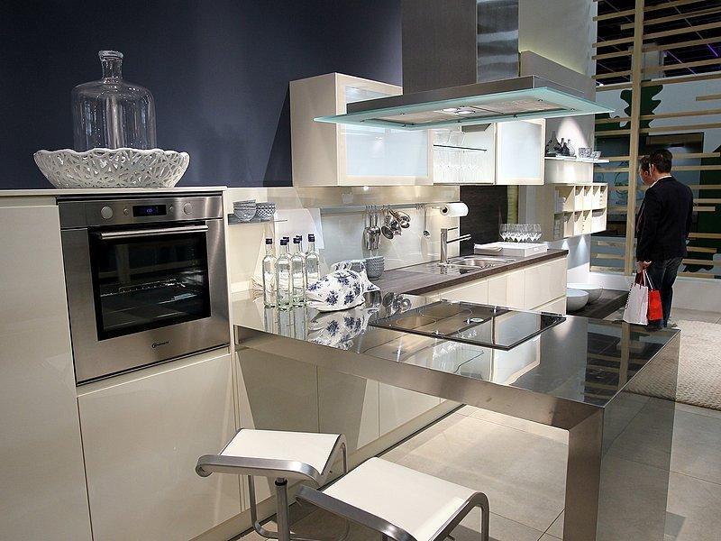 h cker k chen steigert umsatz um 8 8 prozent neue westf lische wirtschaft. Black Bedroom Furniture Sets. Home Design Ideas