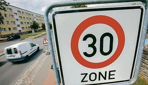 Streit um neue Tempolimits auf Stadt- und Landstraßen - Neue Westfälische