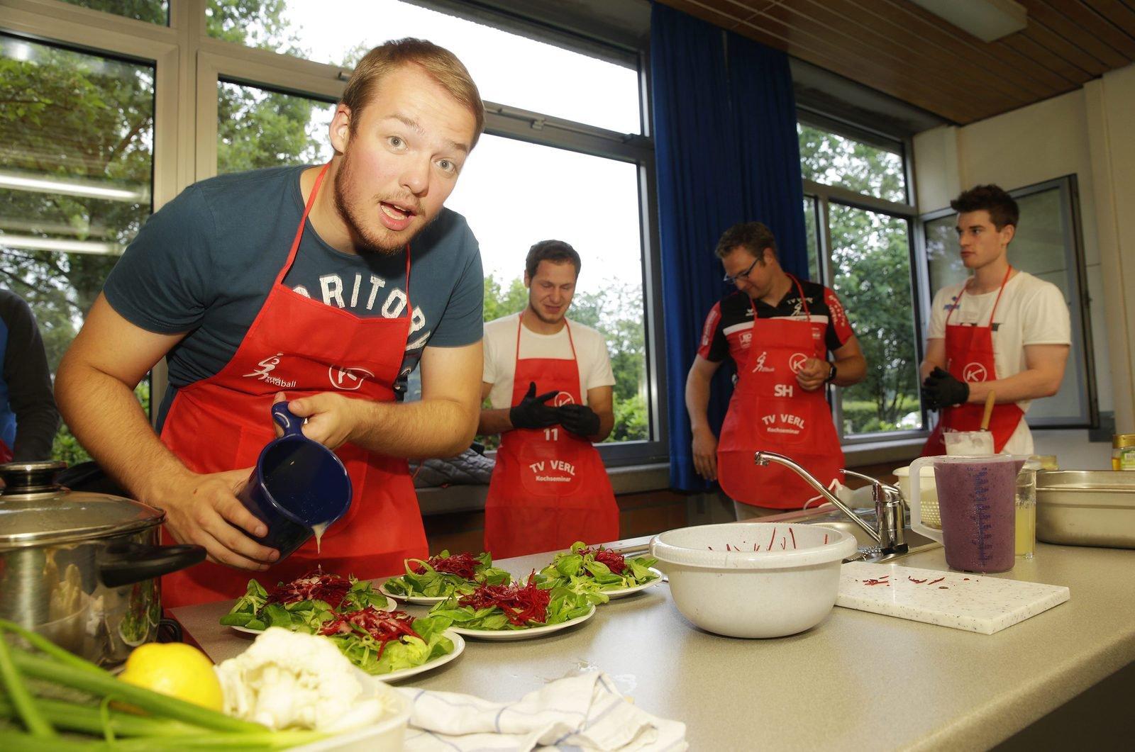 ... und Martin Wiesing nahmen am exotischen Kochkurs für Männer teil