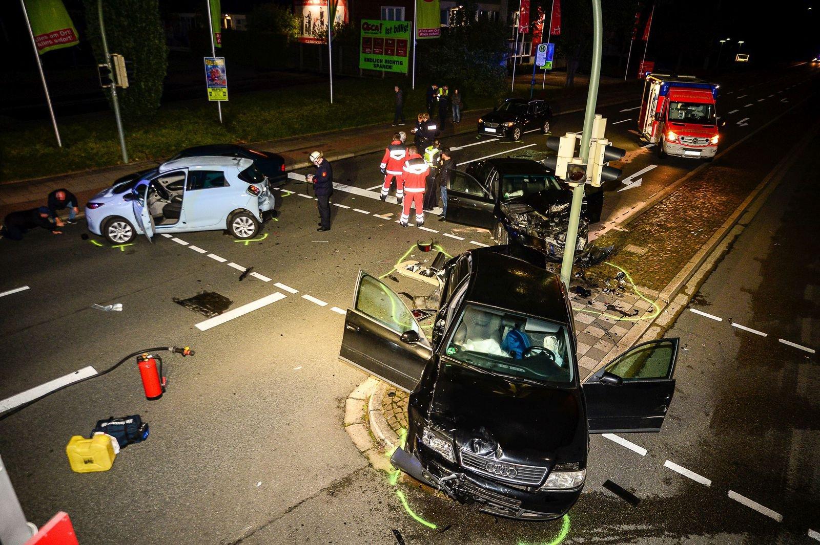 Bielefeld: Sechs Verletzte bei schwerem Unfall auf der ...